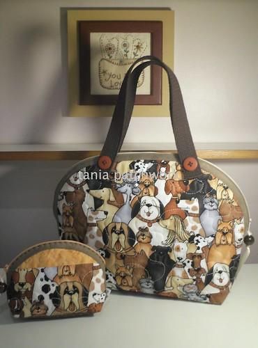Bolsinha e mini necessaire Cachorros ( o outro lado ) by tania patchwork
