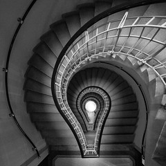 I have an idea (Moises Levy L) Tags: idea stair praha praga 1740mm escaleras canon5dmll