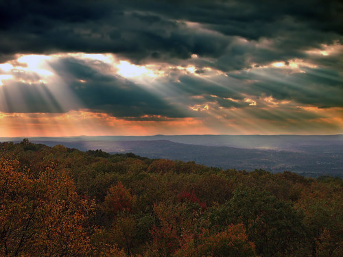 [Free Images] Nature, Clouds, Dark Clouds, Crepuscular Rays, Landscape - United States of America ID:201110160600