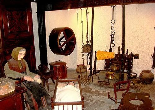 Objetos del Museo Pirenaico en el Castillo