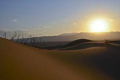 Dasht-e-Lut, Irn (Sergi Hill) Tags: world sol nikon desert viento arena cielo nubes desierto tamron esfahan mundo yazd irn dashtelut d7000