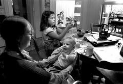 Richmond district, San Francisco 1979 (Dave Glass . foto) Tags: sanfrancisco baby max home gina diningroom judy 8thavenue richmonddistrict