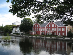 IMG_4219 (VERUSHKA4) Tags: travel red summer sky plants house reflection tree green window water leaves norway canon stavanger town pond europe branch cityscape august scandinavia quai nord verdure