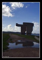 Elogio al Horizonte (Mario Sánchez Cachero) Tags: gijón asturias escultura nubes reflejo eduardo chillida charco cerrodesantacatalina
