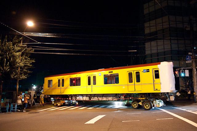東京メトロ銀座線1000系 1101号車 陸送