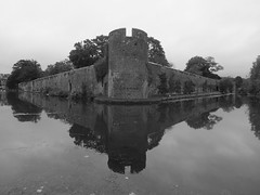 The Bishops Palace, Wells (Vide Cor Meum Images) Tags: bw reflection castle wall reflections mono fuji cathedral wells somerset palace bishops moat bishop cor vide hs20 meum markcoleman myfuji hs20exr mac010665yahoocouk videcormeumimages