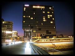 Medienhafen Dsseldorf (masteruser1999) Tags: germany deutschland wasser nightshot nacht availablelight powershot nrw hafen dsseldorf rhein nachtaufnahme g12 2011 masteruser1999