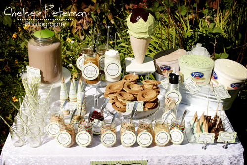 ice-cream-parlor-birthday-party-table-set-up