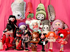 Boopsiedaisy dolls collection! (Ana Camamiel) Tags: carnival art monster dolls handmade witch vampire collection carnaval beauties vampiras brideoffrankenstein muecas bruja coleccin moonhead endlesslove posedolls boopsiedaisy noviadefrankenstein toowonderfulforwords isimplycantbelievemyeyes