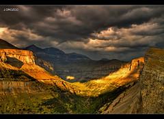 El sol dorado,entre nubes. (orojose) Tags: colorphotoaward