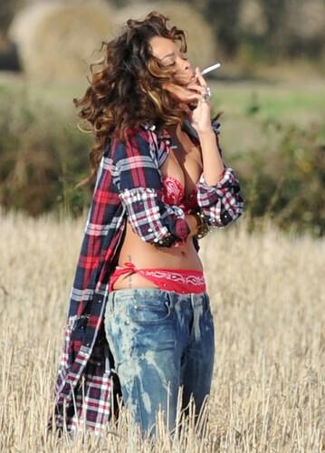Rihanna smoking a cig