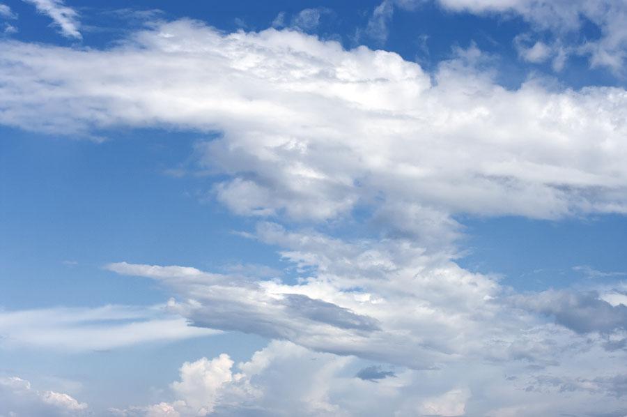 Скульптуры мастера Ветра, небо сельвы. Амазонка, Перу 2011 © Kartzon Dream - авторские путешествия, авторские туры в Перу, тревел видео, фототуры