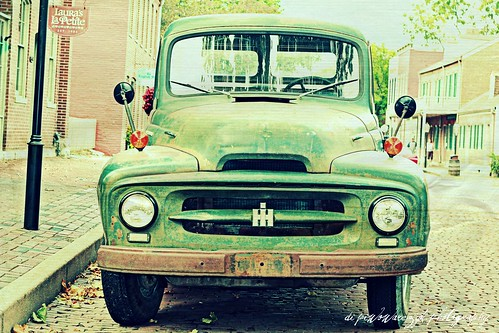 International Harvester on Main by DiPics