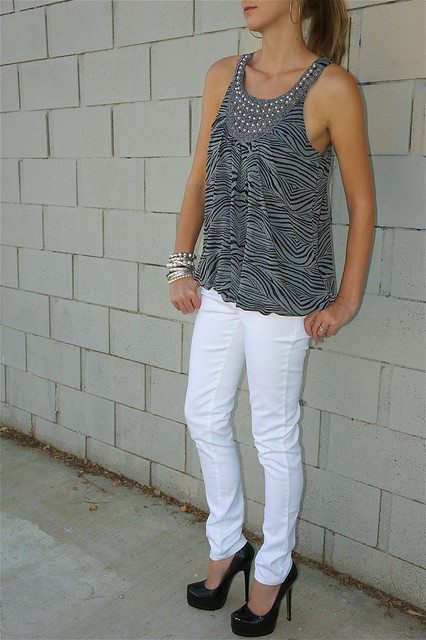 Outfit with white jeans