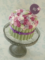 Single tier bouquet cake (The Designer Cake Company) Tags: birthdaycake ribbonrose flowerstem floralbouquet peggyporschen bouquetcake