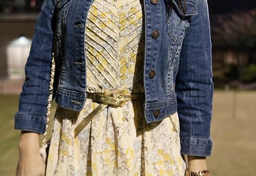 forever 21 stonewash denim jacket, forever 21 sleeveless yellow dress, steve madden pleasant, yesstyle sarah quilted beige flap purse, mk5430