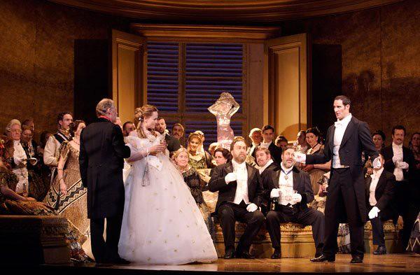 La traviata © Catherine Ashmore/ROH 2011