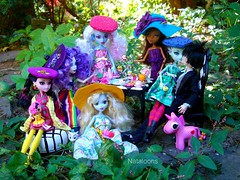 Monster High Afternoon Tea (Nataloons) Tags: blue party paris abbey fashion monster by high wolf doll cookie tea pegasus jackson sugar frankie crumbs spectra rement unicorn stein mattel jekyll lagoona louos souol frankiestein clawdeen lagoonablue monsterhigh draculaura clawdeenwolf lalaloopsy jacksonjekyll bominable vondergeist abbeybominable spectravondergeist
