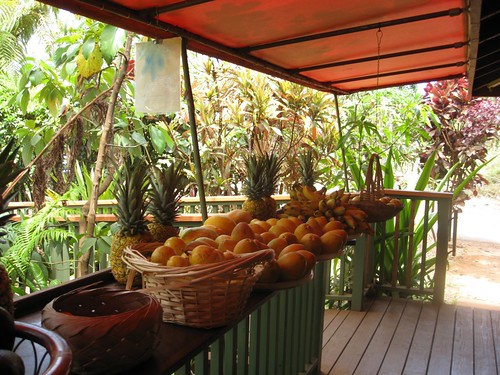 fruit stand moloaa