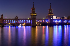 Oberbaumbrcke 2011 (Dietrich Bojko Photographie) Tags: longexposure berlin germany deutschland lights mirror evening nikon colorful europe bluehour spree festivaloflights mirroring dietrichbojko d7000 dietrichbojkophotographie festivaloflights2011 oberbaumbuecke