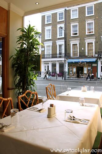 Interior, Tuk Din Restaurant