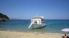 EYTYXIA (mpourtzi) Tags: beach island boat small hellas tourist greece skiathos approaching   aselinos   eytyxia