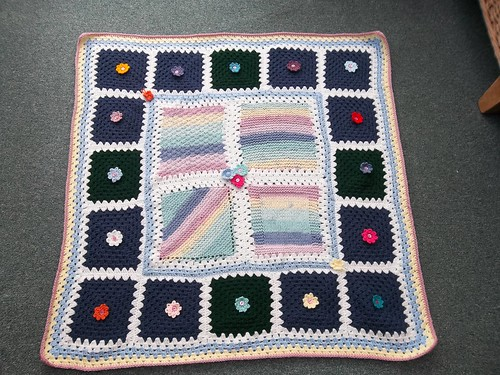 Thanks to the Ladies on MSE who have very kindly donated these beautiful Squares and to Chalky75 who has assembled them and sent them to SIBOL! Amazing!