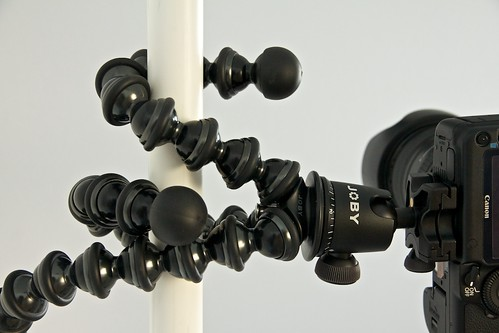 "GorillaPod Focus on 1"" Pole Close Up"
