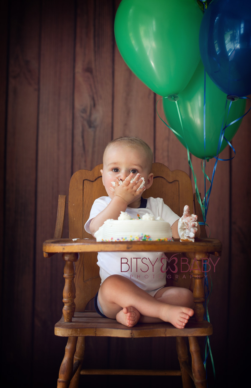 baby photographer birthday cake