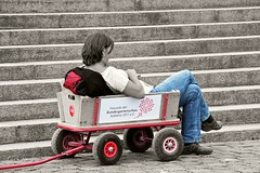 Red and Blue (Poet for Life) Tags: blue red woman colour wagon rest koblenz selective buga handwagon