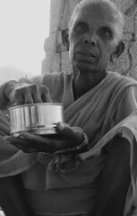 Portrait #2 (*Lalla*) Tags: summer portrait bw panorama woman india man men colors look lunch temple sadness women asia rice state eat spices ganesh karnataka smells viweu
