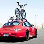 911 GTS vs. Sh*tbike<br>Image © Anthony Smith/Bike Magazine