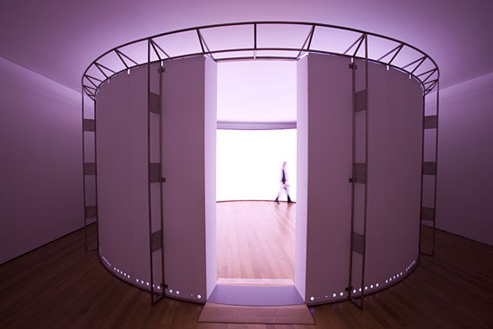 Olafur Eliasson. 360º room for all colours (2002)