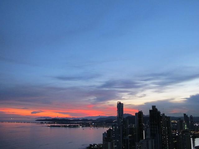Pôr do sol na Cidade do Panamá