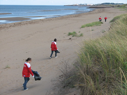 Molson Canadian Red Leaf Project and Great Canadian shoreline cleanup - MONCTON