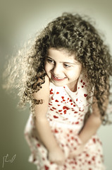 (Ebtesam.) Tags: blur girl hair photography 50mm photo nikon saudi arabia jeddah 18 saudiarabia aljazi  nikond7000