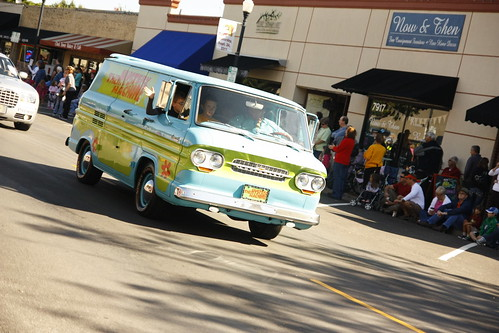 op parade/mystery machine