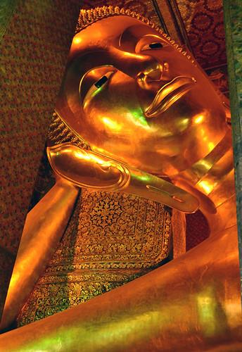 13 reclining buddha face