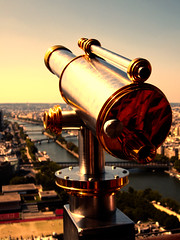 (Nelly Matray) Tags: panorama paris france canon europe view eiffeltower binoculars toureiffel crpuscule vue jumelles anawesomeshot