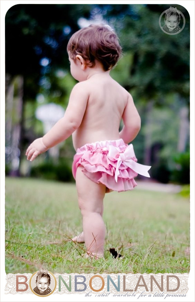 Ruffled Baby Bloomers (Diaper Covers) - pink delight style - photo prop - vintage glamour