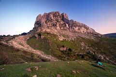 (iban pagalday) Tags: nikon otoño 06 karst bizkaia euskalherria 2011 udazkena gnd itxina orozko atxak plcir d300s aldabide