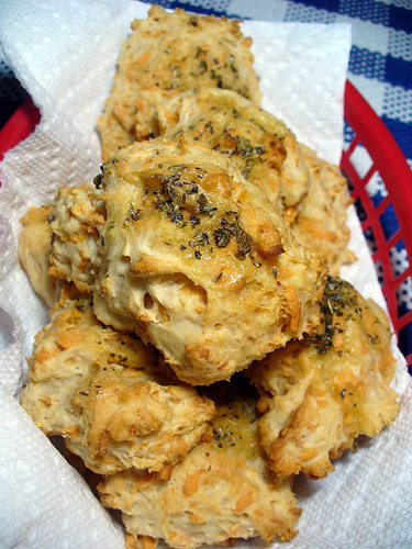 2011-10-07 - Cheddar Cheesy Biscuits - 0008