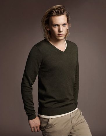 Jamie Campbell Bower0021_UNIQLO AW11