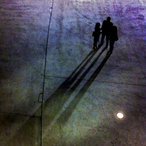 una sombra alargada by eMecHe