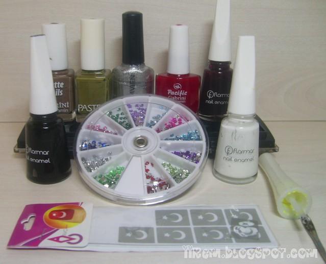 En üst soldan sağa  = Gabrini Matte Nails 396 , Pastel Franke , Alix Avien 231 , Pacific Gabrini 31 , Flormar 323 - 313 - 310