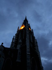 Dark Church (CoolMcFlash) Tags: vienna wien sky building church architecture night clouds canon dark eos austria evening abend scary twilight construction mood view cloudy nacht pov religion kirche himmel wolken eerie architektur tamron dunkel stimmung nachtaufnahme elisabethkirche churchclock konstruktion wieden unheimlich bewlkt dster blickwinkel geheimnisvoll nachtaufnahmen stelisabeth explored 18270 kirchenuhr 60d b008 gettysalq3