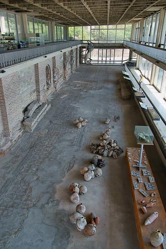 [Edificiul Roman cu mozaic din Constanţa - vedere generală a podelei cu mozaic]