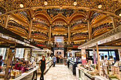 Galeries Lafayette - Paris (SergeK ) Tags: paris building glass fashion shop corner store europe lafayette haussmann steel company artnouveau dome 1912 galerieslafayette staircase