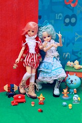 Licca for 'Tiny Feet' magazine: A Colorful Party (houseofduke) Tags: miniatures doll gashapon rement licca qoo tinyfeet wanroom azone liccacastle pureneemo azonedoll