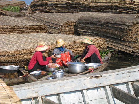 Fisherwomen, Cambodia, photo by Jamie Oliver, 2008